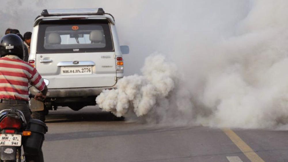 वायु प्रदुषण ने बजाई खतरे की घंटी: घटती जा रही है भारतीयों की उम्र, ऐसे करें बचाव