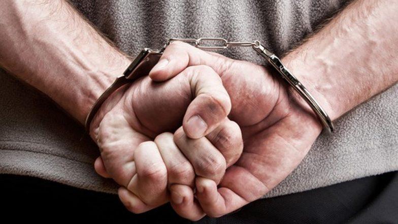 दिल्ली: 32 वर्षीय शख्स 81 साल का बूढ़ा बनकर कर रहा था यात्रा, हुआ गिरफ्तार