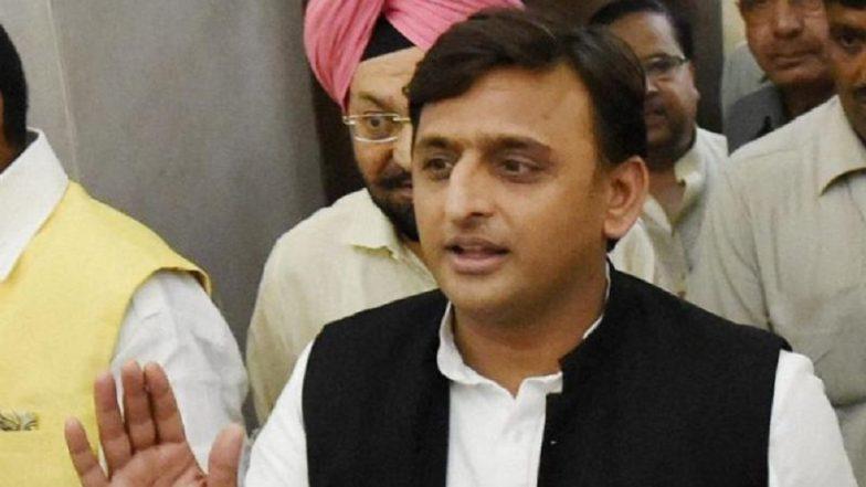 रामपुर विधानसभा उपचुनाव: मतदान से पहले सपा ने चुनाव आयोग से की डीएम और एसपी को हटाने की मांग