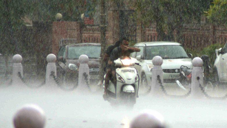 देश के इन राज्यों में मूसलाधार बारिश की भविष्यवाणी, पढ़ें अगले 2 दिनों के मौसम का हाल