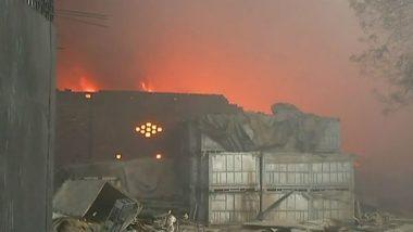दिल्लीः मालवीय नगर के रबड़ फैक्ट्री में लगी अब तक नहीं बुझी, वायुसेना कंट्रोल करने में जुटी