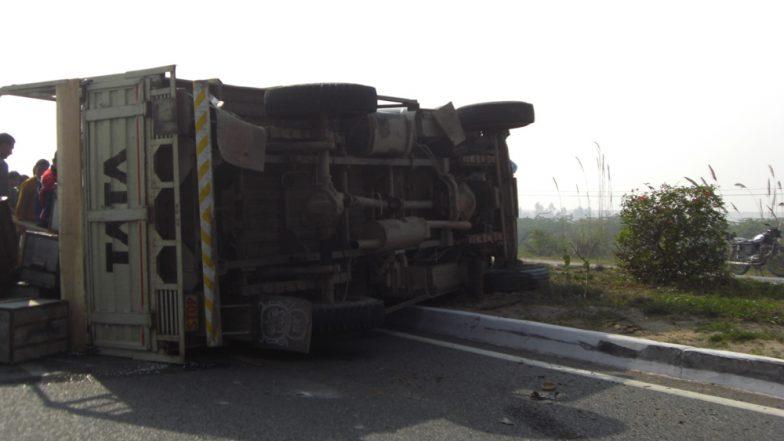 मध्यप्रदेश: जबलपुर में अनियंत्रित बस गिरी नाले में, 3 की मौत और 50 घायल