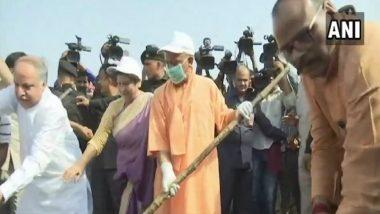 लखनऊ: गोमती नदी के किनारे खुद CM योगी ने 'फावड़ा' लेकर की सफाई