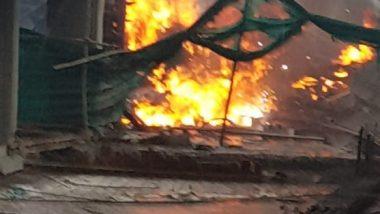 जम्मू कश्मीर के पुलवामा में सेना की बैरक में आग लगी, दमकल की कई गाड़ियां रवाना