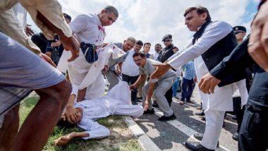 लखनऊ-आगरा एक्सप्रेस-वे पर घायलों को देख अखिलेश यादव ने काफिला रोका, घायलों को अपनी गाड़ी से अस्पताल भेजा