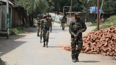 जम्मू कश्मीर: आतंकियों और सुरक्षाबलों के बीच मुठभेड़ जारी, त्राल इलाके के जंगलों में छिपे हैं आतंकी