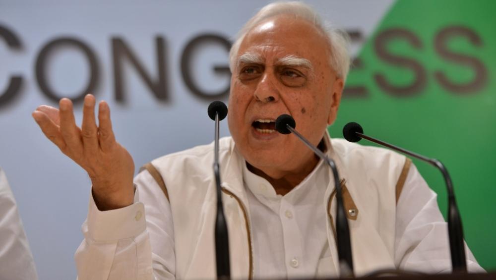लोकसभा चुनाव 2019: मसूद अजहर पर प्रतिबंध के बाद कांग्रेस नेता कपिल सिब्बल ने पीएम मोदी से किया सवाल, कहा- क्या प्रधानमंत्री कह सकते हैं आतंकवाद अब खत्म होगा?