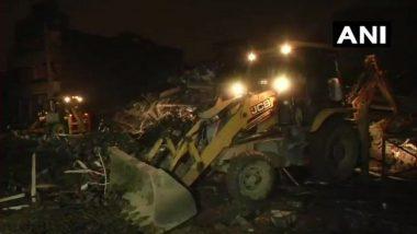 गाजियाबाद: खोड़ा में भरभराकर गिरी 5 मंजिला इमारत, कोई हताहत नहीं