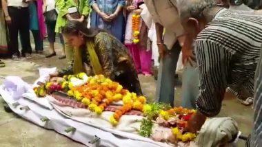 Video : रीता भादुड़ी के अंतिम संस्कार में फूट-फूटकर रोने लगी अभिनेत्री शबाना आजमी
