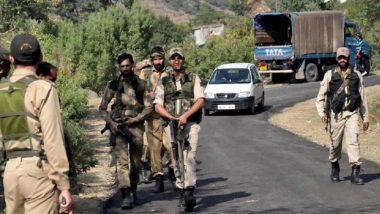 जम्मू-कश्मीर: सेना और आतंकियों के बीच मुठभेड़ जारी, कई आतंकियों के छुपे होने की आशंका