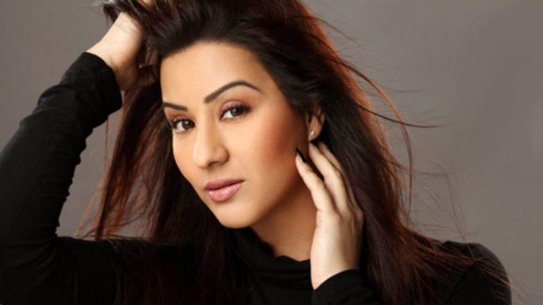 शिल्पा शिंदे ने किया मीका सिंह का समर्थन, कहा- मुझे पाकिस्तान में परफॉर्म करने से किसी का बाप नहीं रोक सकता