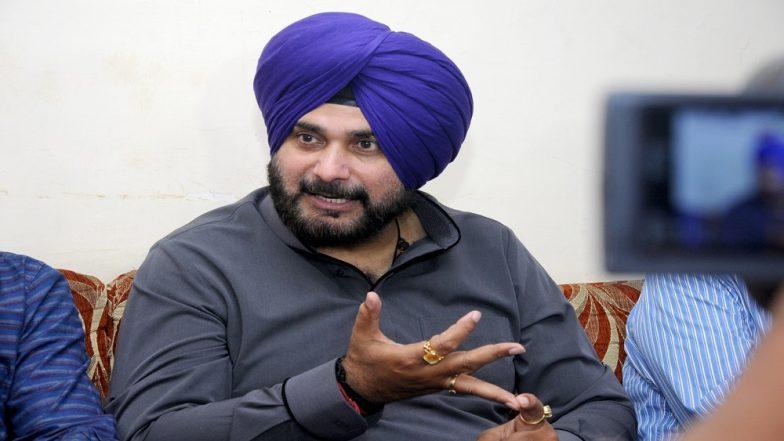 मुस्लिम वोटरों से अपील कर फंसे नवजोत सिंह सिद्धू, चुनाव आयोग ने भेजा नोटिस, 24 घंटे के अंदर मांगा जवाब