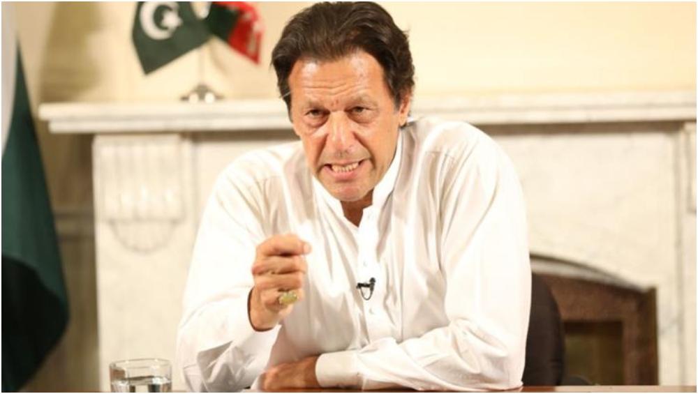 पाकिस्तान को बुरी तरह कर्ज में डुबाने वाले 'चोरों' को नहीं बख्शेंगे- इमरान खान