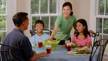 खाने के तुरंत बाद न करें ये काम, सेहत पर पड़ सकता है उल्टा असर