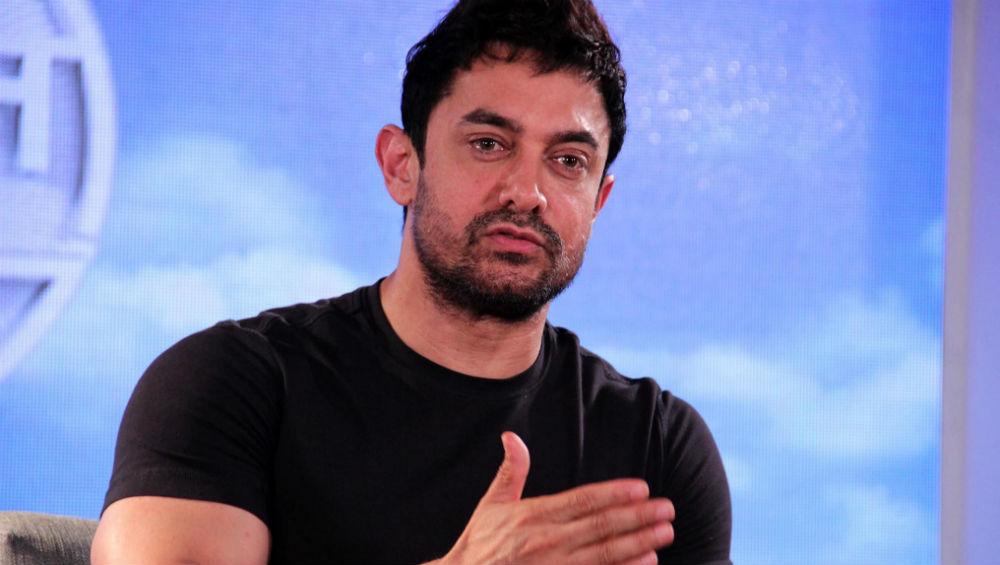 आमिर खान को इस वजह से लगा है सदमा, दीपवीर के बाद ईशा अंबानी की शादी में भी नहीं आएंगे नजर