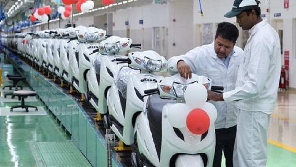 एक्टिवा ने तोड़े सभी रिकॉर्ड, 2 करोड़ स्कूटर बिक्री के साथ भारत में बना नंबर वन
