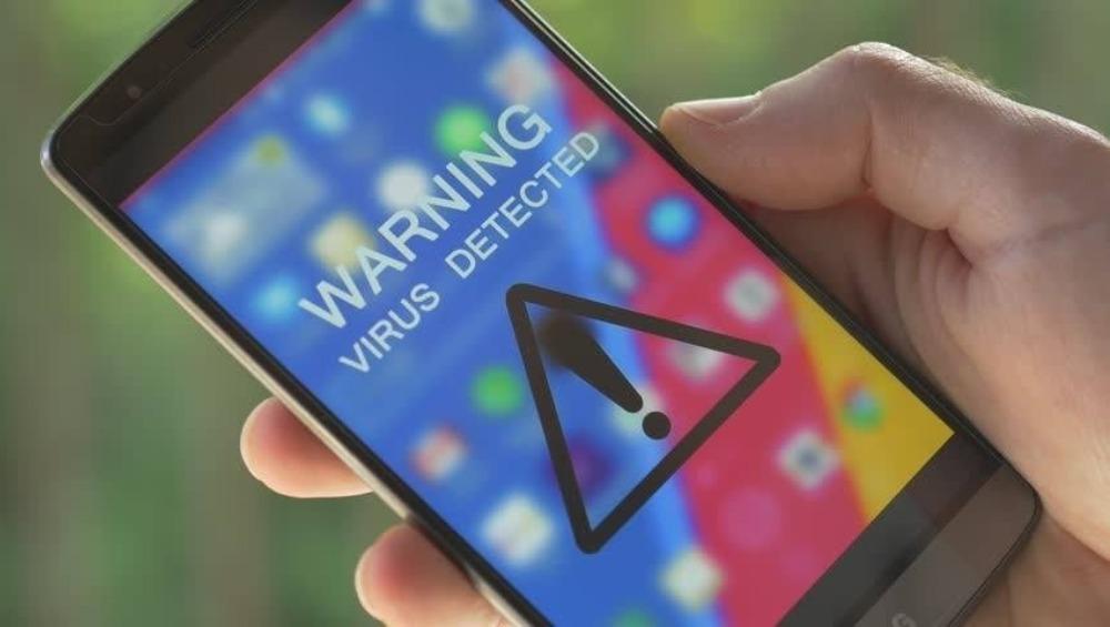 Smartphone से फौरन डिलीट करें ये इमोजी कीबोर्ड ऐप, नहीं तो आपका अकाउंट कर देगा खाली