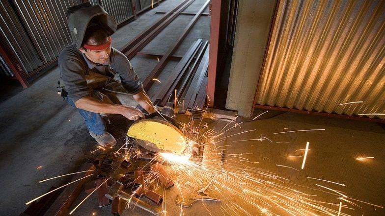 मंदी के बीच आई अच्छी खबर- देश में बढ़ा औद्योगिक उत्पादन, मैन्युफैक्चरिंग ग्रोथ भी 4 फीसदी के पार