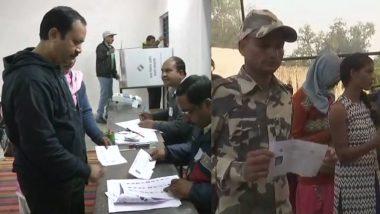 छत्तीसगढ़ विधानसभा चुनाव 2018: कड़ी सुरक्षा के बीच पहले चरण की 18 सीटों पर मतदान शुरू, दंतेवाड़ा में नक्सलियों ने किया IED ब्लास्ट