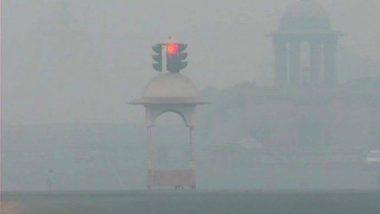 दिल्ली में अभी भी वायु गुणवत्ता 'बेहद खराब', शहर में धुंध की मोती चादर