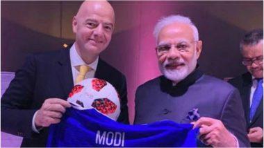 प्रधानमंत्री नरेंद्र मोदी को फीफा अध्यक्ष ने दिया यह खास गिफ्ट, देखें तस्वीर