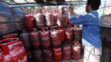 महंगाई की मार झेल रही जनता को मिली बड़ी राहत, पेट्रोल-डीजल के बाद घरेलू गैस सिलेंडर भी सस्ते हुए