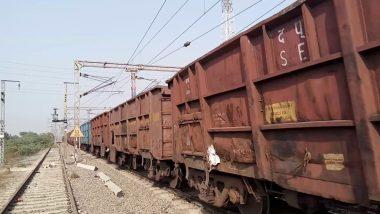 उत्तर प्रदेश में मालगाड़ी के डिब्बे पटरी से उतरे, जिससे कई ट्रेनें प्रभावित