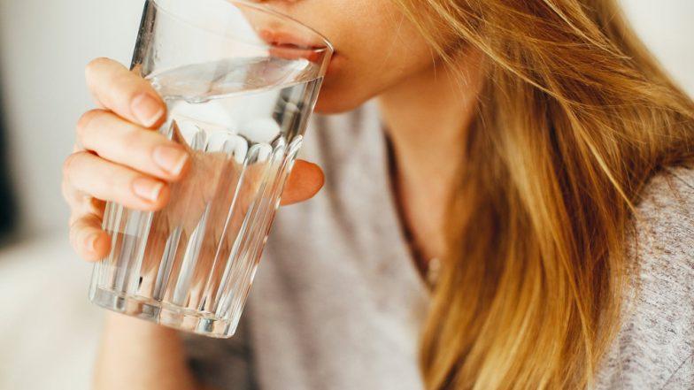 खाने के तुरंत बाद पानी पीने की आदत छोड़ दीजिए, वरना हो जाएंगे इन बीमारियों के शिकार