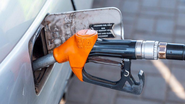 Petrol and Diesel Price 12th July: डीजल की कीमत में लगातार दूसरे आई गिरावट, पेट्रोल के दाम स्थिर