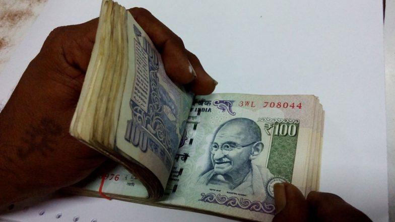 भारतीय रुपये में छह महीने के निचले स्तर पर गिरावट दर्ज, डॉलर 72 रुपये प्रति दर पहुंचा