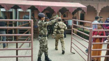 आगरा: ताजमहल में तैनात CISF के जवानों के पास बंदूक की जगह हाथों में गुलेल, वजह है बेहद हैरान करनेवाली