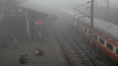 दिल्ली: घने कोहरे और ठंड के कारण 16 ट्रेनें लेट, राजधानी में वायु गुणवत्ता का स्तर बेहद खराब