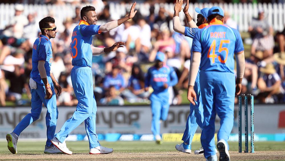 India vs New Zealand 3rd ODI 2019: हार्दिक पांड्या ने की शानदार वापसी, झटके दो विकेट और लपका शानदार कैच