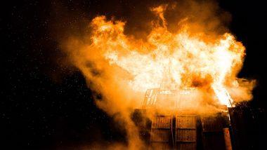 दक्षिण कोलकाता में पांच मंजिला इमारत में लगी भीषण आग, लाखों रुपये का सामान और आसपास की कई दुकानें भी हुईं क्षतिग्रस्त