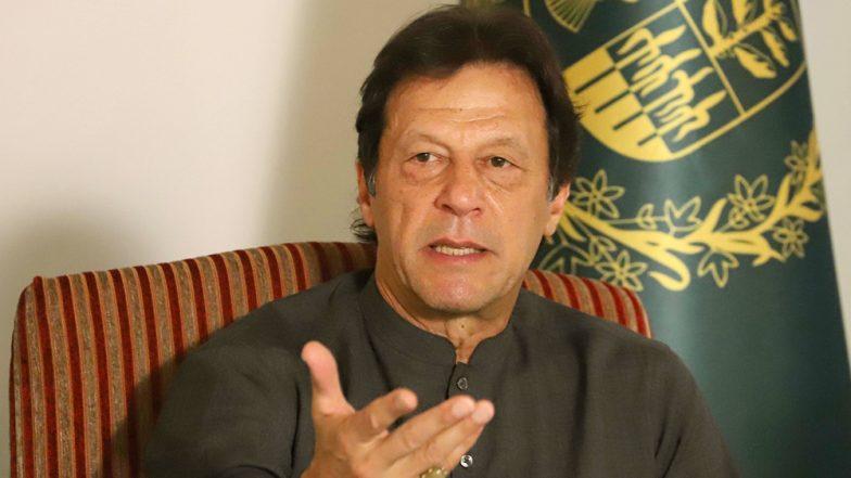 कंगाली से जूझ रहे पाकिस्तान के वित्त मंत्री असद उमर का IMF से राहत पैकेज मिलने से पहले इस्तीफा