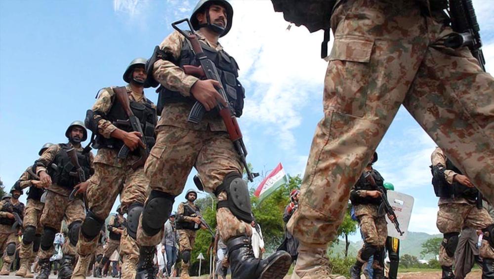 पाकिस्तान सेना प्रमुख नियंत्रण रेखा पर 'शत्रुतापूर्ण स्थिति' को लेकर सांसदों को देंगे जानकारी