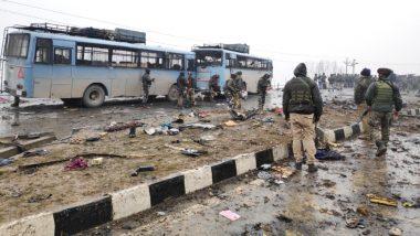 पुलवामा आतंकी हमला: आत्मघाती हमले में सीआरपीएफ के 45 जवान हुए शहीद, देशवासियों में फूटा आक्रोश