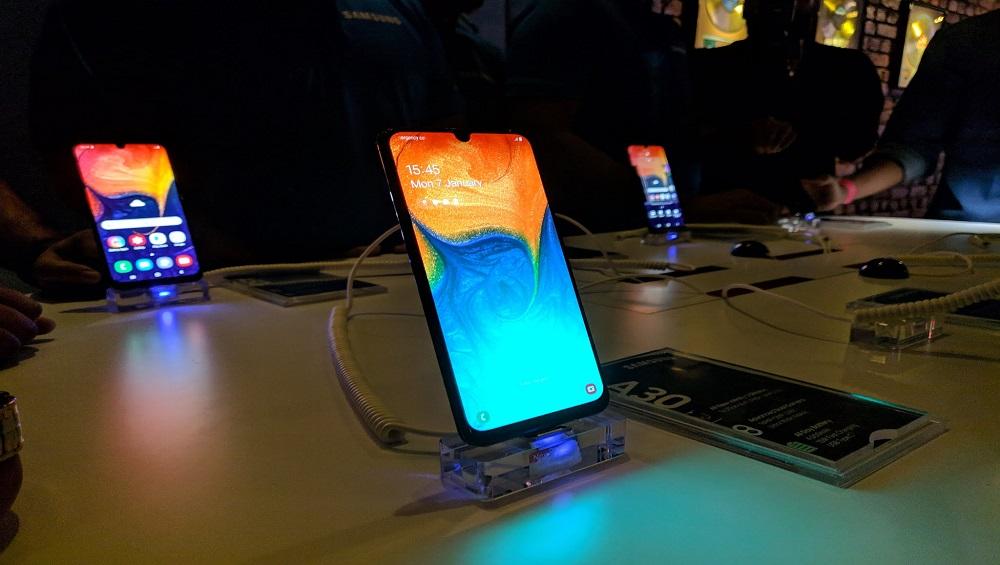 Samsung ने अपने 3 स्मार्टफोन A30, A50 और A10 किए लॉन्च, जानें फीचर्स