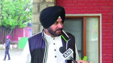 नवजोत सिंह सिद्धू ने मंत्री पद से इस्तीफा देने के बाद कार्यकर्ताओं से की मुलाकात, कहा- कांग्रेस में बने रहेंगे