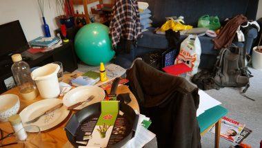 Vastu Tips: क्या आपके घर में हमेशा बिखरा हुआ रहता है सामान, जिंदगी पर पड़ सकते हैं ये बुरे प्रभाव