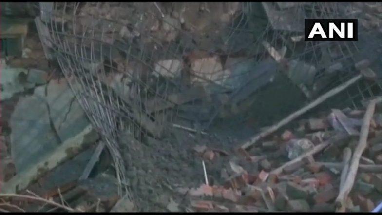 मुंबई: नागपाड़ा इलाके में निर्माणाधीन ईमारत गिरी, तीन लोगों के दबे होने की आशंका