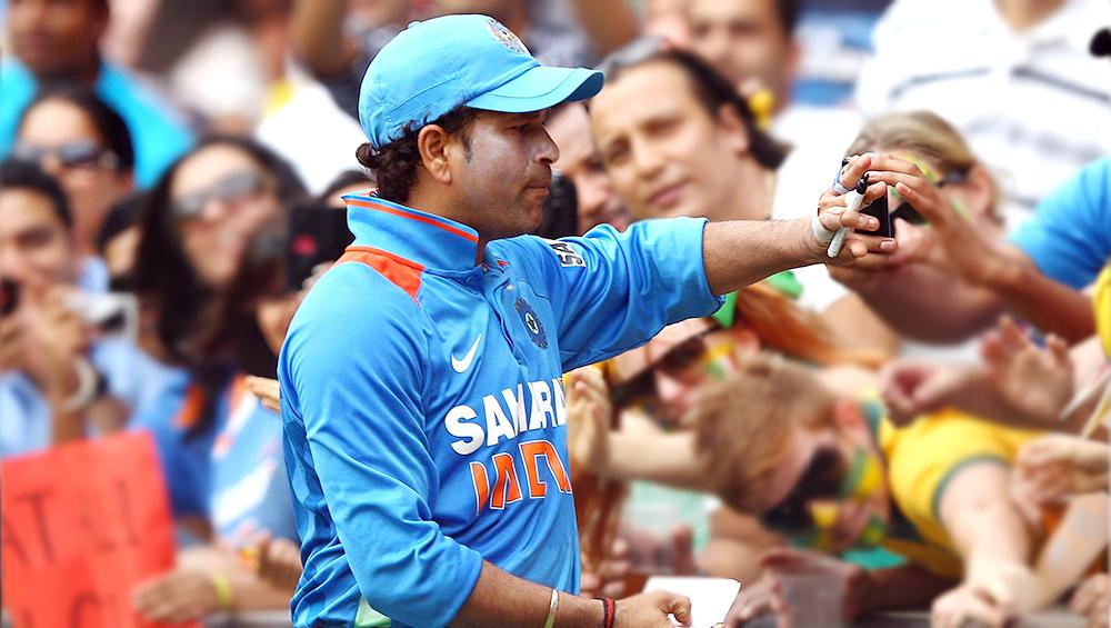 मास्टर ब्लास्टर सचिन तेंदुलकर ने वनडे मैच में आज ही ठोका था दोहरा शतक, देखें उस ऐतिहासिक पारी की हाइलाइट्स