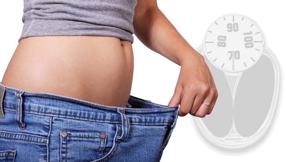 बिना एक्सरसाइज किए करना चाहते हैं मोटापे को कंट्रोल तो अपने डेली डायट में जरूर करें ये 5 बदलाव