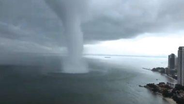 समुद्र के बीचोबीच दिखा तबाही का मंजर, लोगों के पैरों तले खिसकी जमीन, देखें वायरल वीडियो