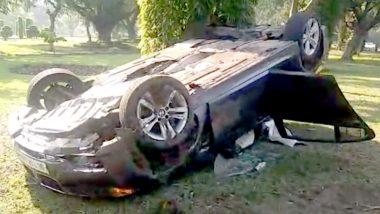 दिल्ली : तेज रफ्तार से चल रही BMW कार पलटने से महिला घायल, छानबीन में जुटी पोलिस