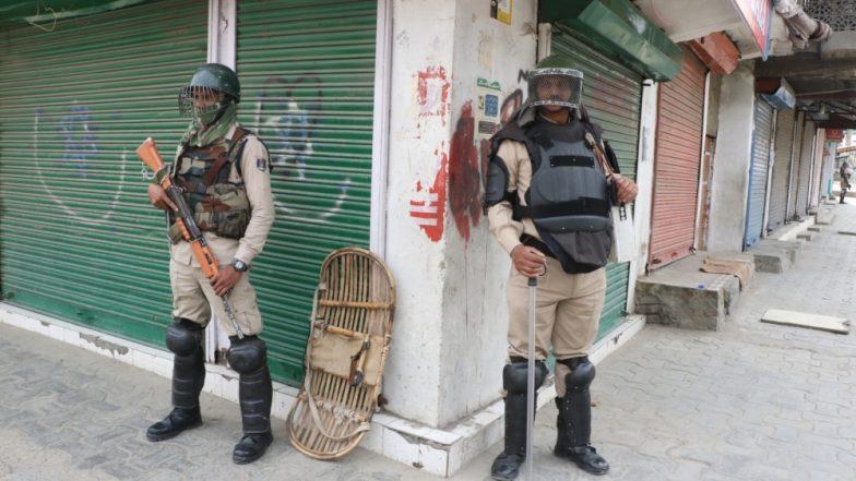जम्मू-कश्मीर: श्रीनगर में मुहर्रम का जुलूस रोकने के लिए कर्फ्यू जैसे प्रतिबंध, भारी संख्या में सुरक्षा कर्मी तैनात
