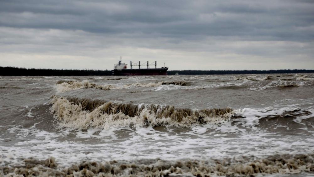 बंगाल की खाड़ी में चक्रवाती तूफान 'बुलबुल' से निपटने को तैयार भारतीय नौसेना