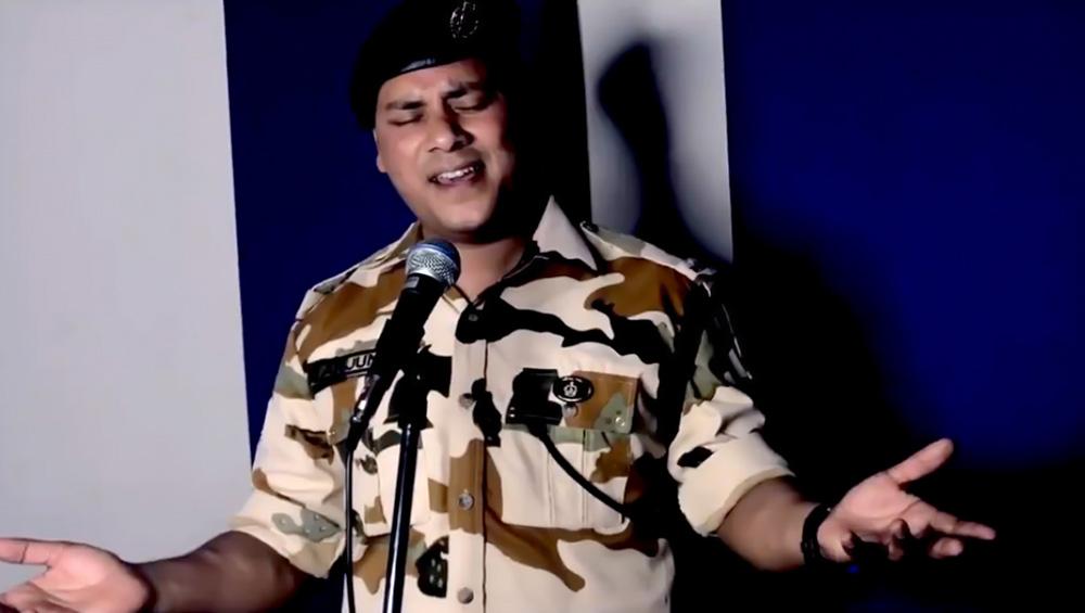 तिब्बत सीमा पर तैनात पुलिस कॉन्सटेबल ने गाया 'तेरी मिट्टी में मिल जांवां' गाना, हुआ वायरल, देखें वीडियो