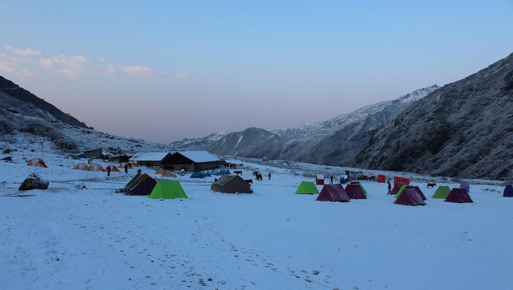 हिमालय की गोद में बसा है भारत का स्विट्जरलैंड, एक बार करेंगे दीदार तो भूल जाएंगे यूरोप की सैर