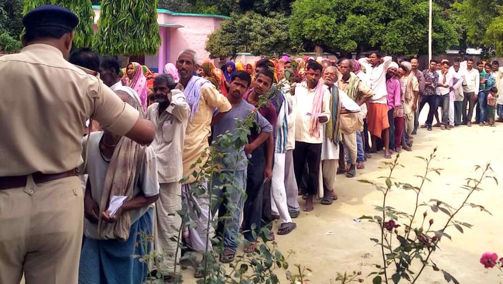 झारखंड विधानसभा चुनाव 2019: पहले चरण में 6 जिलों की 13 सीटों पर मतदान जारी, 189 उम्मीदवारों की किस्मत दांव पर